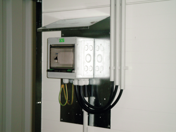 Fuse box IP 54 with miniature circuit breakers