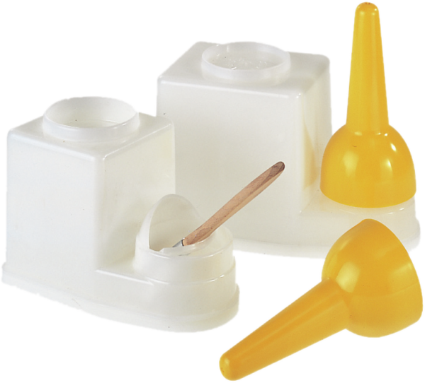 Polyethylene brush holder capacity 0,9 l