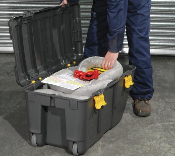Emergency kit in transport box Absorbency 75 l